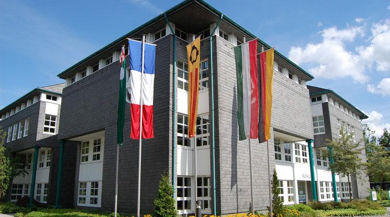 Rathaus Olsberg im Sommer