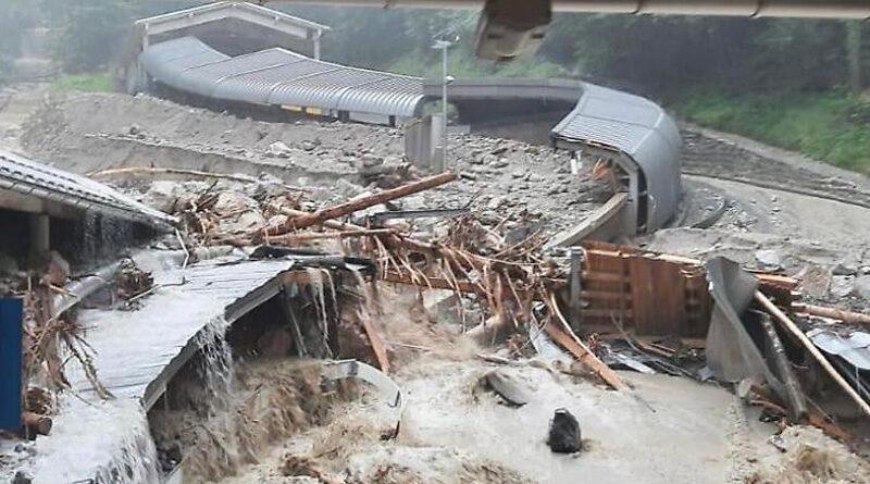 Bild der zerstörte-Eisarena-Königssee